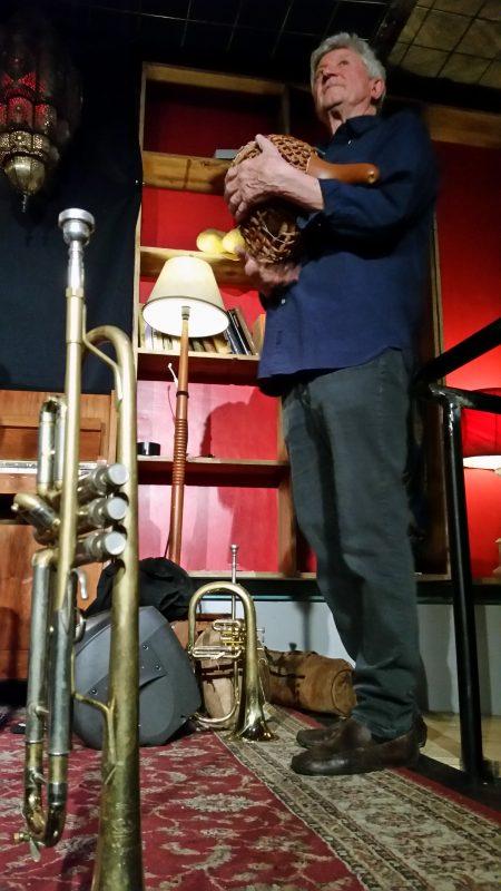 Miroslav Bukovský s jeho hudebními nástroji